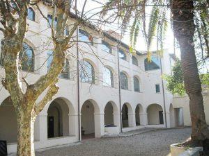 palazzo-pellegrini-carmignani-montecarlo-biblioteca-comunale-300x225